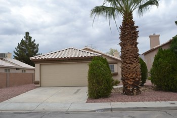 5666 Ruby Creek Dr 2 Beds House for Rent Photo Gallery 1