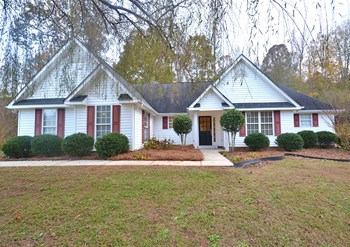 235 Ashley Woods Dr 3 Beds House for Rent Photo Gallery 1