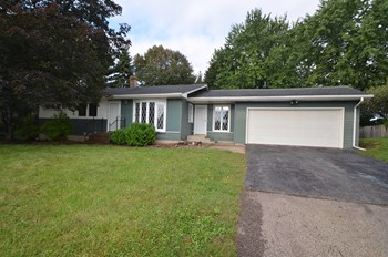 2615 Stark St 3 Beds House for Rent Photo Gallery 1