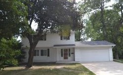 8033 34Th Pl N 3 Beds House for Rent Photo Gallery 1