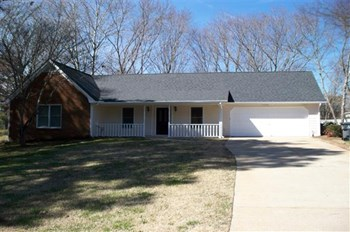 2444 Hammock Court 3 Beds House for Rent Photo Gallery 1