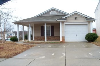 2424 Buckleigh Drive 3 Beds House for Rent Photo Gallery 1