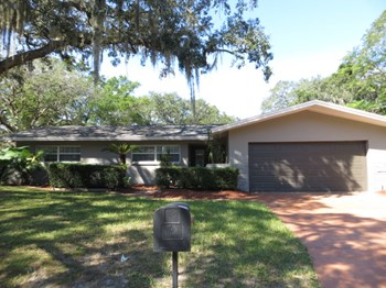 7102 WOODFIELD DRIVE 3 Beds House for Rent Photo Gallery 1