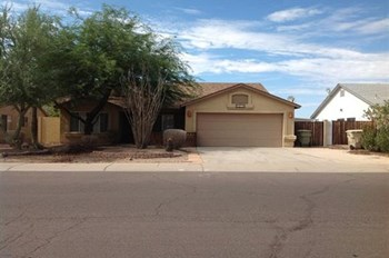 8950 W Ocotillo Rd 3 Beds House for Rent Photo Gallery 1