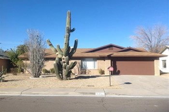 2950 W Acoma Dr 3 Beds House for Rent Photo Gallery 1