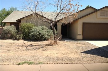 5229 W Barbara Ave 3 Beds House for Rent Photo Gallery 1