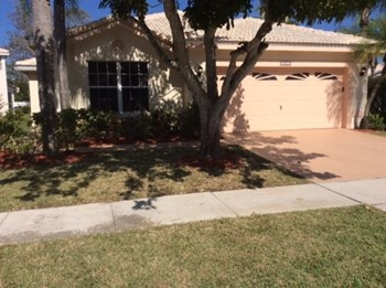 18311 NW 19 Street 3 Beds House for Rent Photo Gallery 1