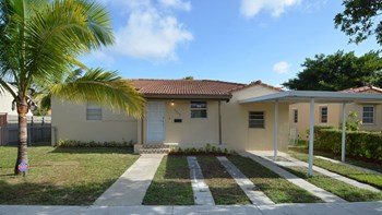 4360 SW 2nd St 4 Beds House for Rent Photo Gallery 1