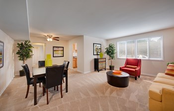 3215 Toledo Place 2-3 Beds Apartment for Rent Photo Gallery 1