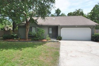 8448   Seton Ct 3 Beds House for Rent Photo Gallery 1