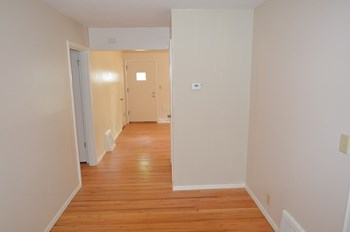 7338 Se 2nd Avenue 3 Beds House for Rent Photo Gallery 1