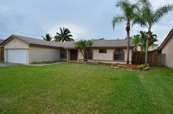 13981 SW 156th Ter 2 Beds House for Rent Photo Gallery 1