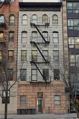 316 East 34th Street Studio Apartment for Rent Photo Gallery 1