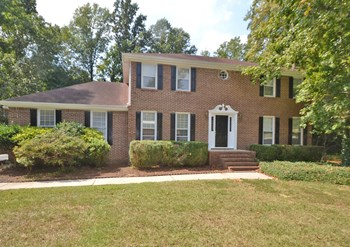 110 Country Squire Dr 3 Beds House for Rent Photo Gallery 1
