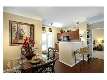 1221 S. Congress Ave. 1-3 Beds Apartment for Rent Photo Gallery 1