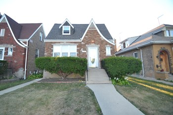 2922 N New England Ave 3 Beds House for Rent Photo Gallery 1