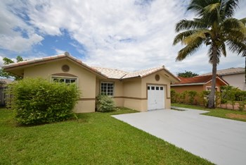 16221 Sw 78th Terrace 3 Beds House for Rent Photo Gallery 1