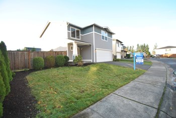 16919 SE 180th Pl 3 Beds House for Rent Photo Gallery 1