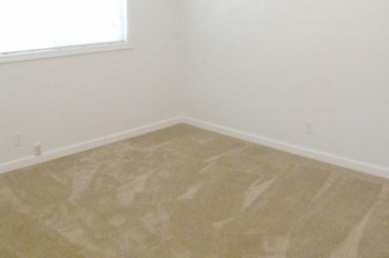 1205,1207 Niantic 3 Beds Apartment for Rent Photo Gallery 1