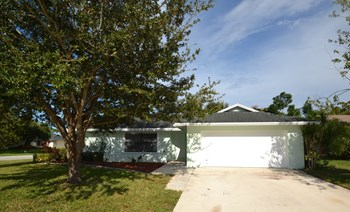 172 Parkwood Drive 3 Beds House for Rent Photo Gallery 1