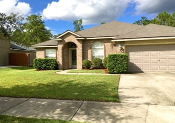 2513 Royal Pointe Drive 3 Beds House for Rent Photo Gallery 1