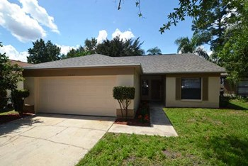 1044 Alpug Ave 3 Beds House for Rent Photo Gallery 1
