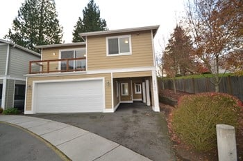 23720 80th Ct W 3 Beds House for Rent Photo Gallery 1