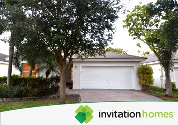 4929 SW 33 Avenue 3 Beds House for Rent Photo Gallery 1