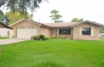 824 Upland Dr 3 Beds House for Rent Photo Gallery 1