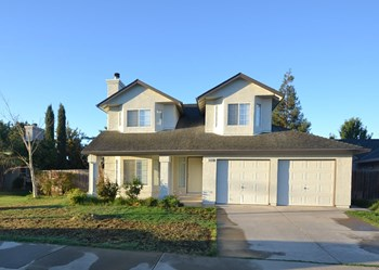 1040 Lake Park Ave 3 Beds House for Rent Photo Gallery 1