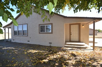 6975 Nicolaus Rd 3 Beds House for Rent Photo Gallery 1