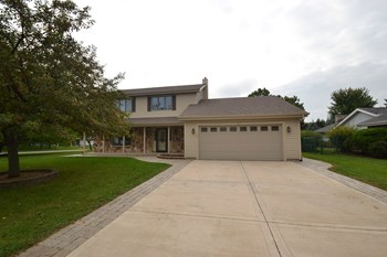 2225 W Weathersfield Wy 2 Beds House for Rent Photo Gallery 1
