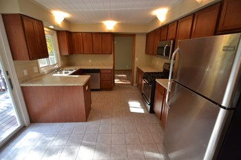 14513 Woodhill Terrace 5 Beds House for Rent Photo Gallery 1