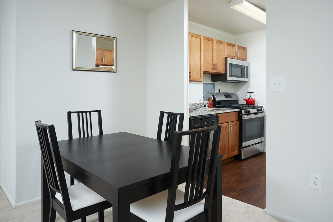 furnished-kitchen-dining-room