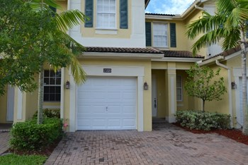 15320 SW 119th Ter 3 Beds House for Rent Photo Gallery 1
