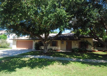 1760 Harbor Oaks Pl 5 Beds House for Rent Photo Gallery 1