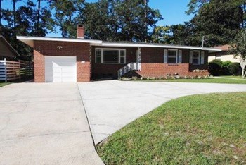 2709 Ribereno Drive N 3 Beds House for Rent Photo Gallery 1