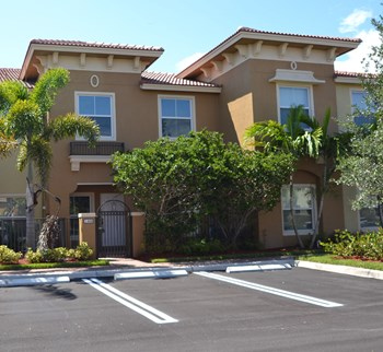 159 Monterey Bay Dr 3 Beds House for Rent Photo Gallery 1