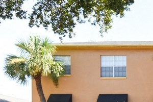 3015 West Santiago Street 1 Bed Apartment for Rent Photo Gallery 1