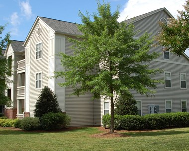1749 Dobbins Drive Suite 1B 2-3 Beds Apartment for Rent Photo Gallery 1