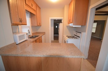 4504 S Xerxes Avenue 3 Beds House for Rent Photo Gallery 1