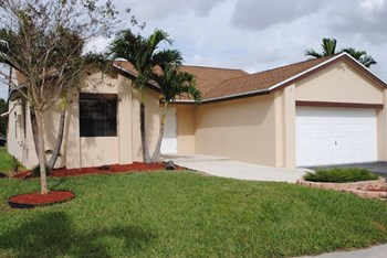 15157 Sw 13th Place 3 Beds House for Rent Photo Gallery 1