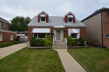 8338 N Osceola Ave 4 Beds House for Rent Photo Gallery 1