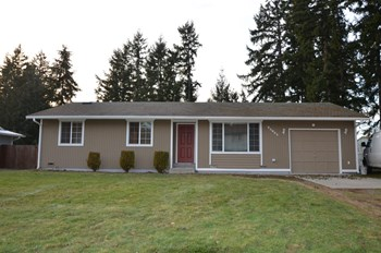 20604 52nd Ave Ct E 3 Beds House for Rent Photo Gallery 1