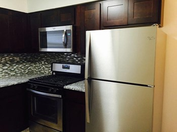 180A Eatoncrest Dr. 1-2 Beds Apartment for Rent Photo Gallery 1