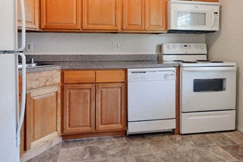 177 Willis Rd 1-2 Beds Apartment for Rent Photo Gallery 1