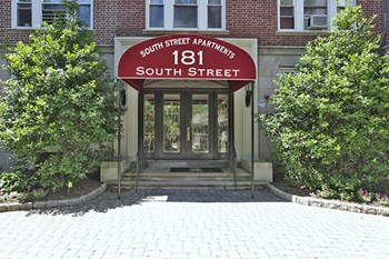 181 South St Studio-2 Beds Apartment for Rent Photo Gallery 1