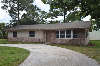 5065 1st Road 3 Beds House for Rent Photo Gallery 1