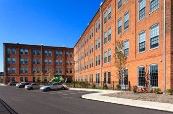 50 South Highland Avenue 2-3 Beds Apartment for Rent Photo Gallery 1