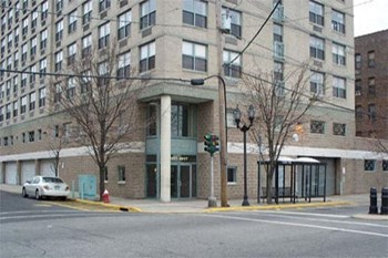 6601 Park Avenue 1-2 Beds Apartment for Rent Photo Gallery 1